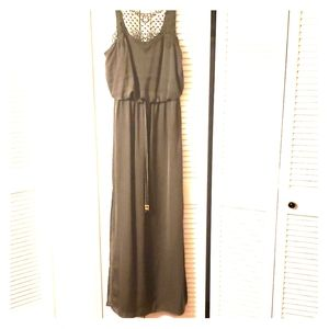 Silky olive maxi with collar detail and drawstring